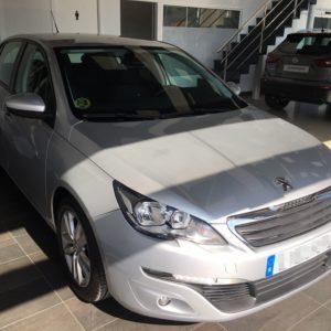 Peugeot 308 68 kW 92 CV delantera derecha