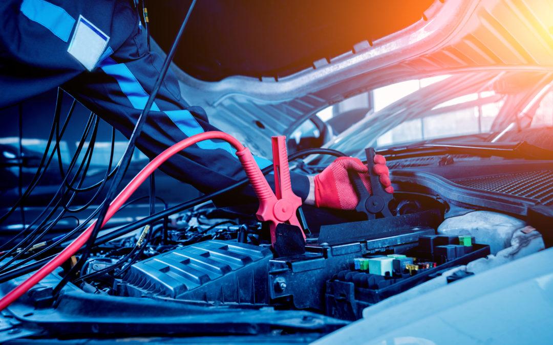 7 Errores que arruinan la batería de tu coche